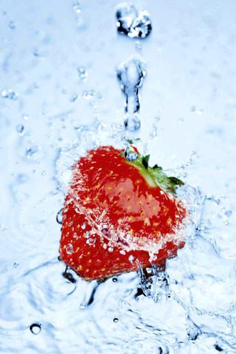 Plakat Strawberry on ice