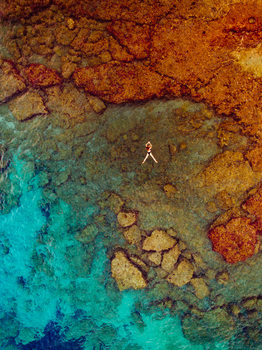 Arte Fotográfica Exclusiva Woman swiming at sea