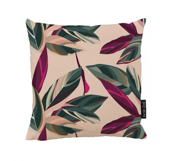 Cushion Cordelia on pink