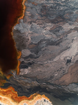Eksklusiiviset taidevalokuvat Sediments lake inside abandone mine