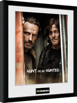 Kehystetty juliste The Walking Dead - Rick and Daryl