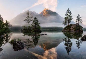 Nature's Awakening Valokuvatapetti