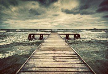Lasitaulu Stormy Pier