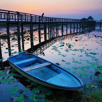 Lasitaulu Wooden Landing Jetty - Blue Boat