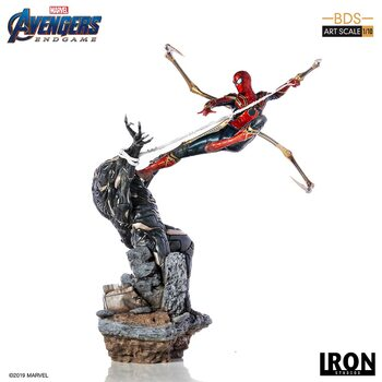 Figurine Avengers: Endgame - Iron Spider Vs Outrider