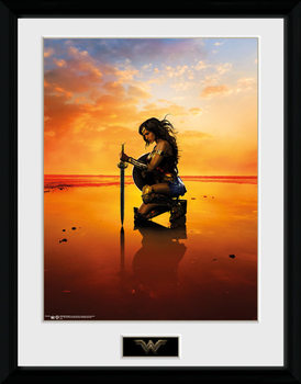 Framed poster Wonder Woman - Kneel