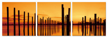 Quadro  Golden sunset over pier
