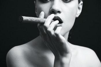 Tableau sur verre Passionate Woman - Cigar b&w