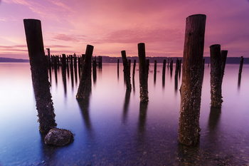 Tableau sur verre Wooden Landing Jetty - Colored Jetty