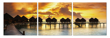 Silhouettes of cabins at sea Taulusarja