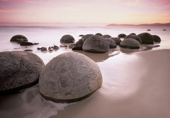 MOERAKI BOULDERS AT OAMARU Wallpaper Mural