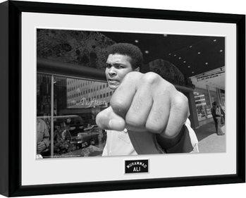 Muhammad Ali - Fist Poster emoldurado de vidro