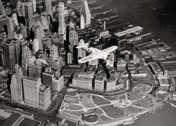 Flight over New York – plane Poster