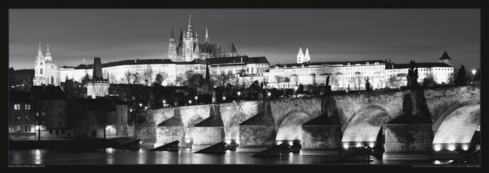 Prague – Prague castle / night b&w Affiche