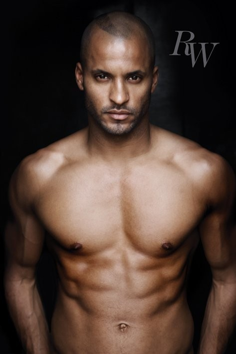 Ricky Whittle - chest Affiche