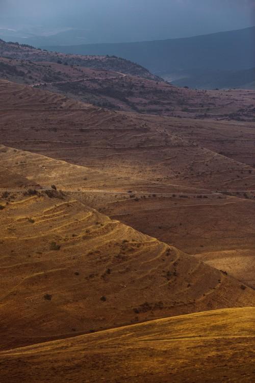 Taide valokuvaus Last sun rays over the valley
