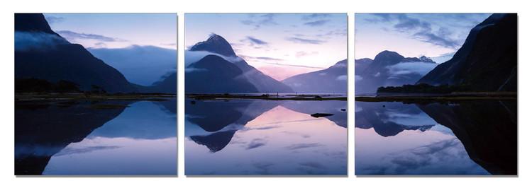 Arte moderna Lake in the Misty Mountains