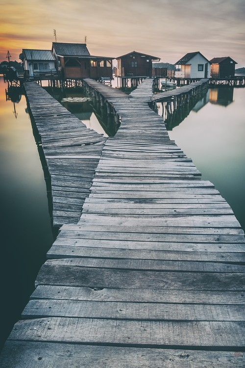 Arte Fotográfica Exclusiva lake and roads and cottages