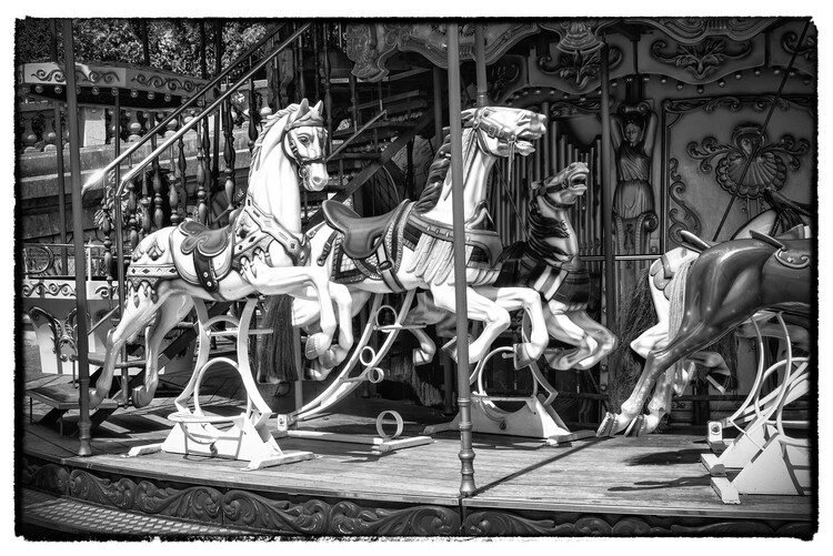 Canvas Print Black Montmartre - Paris Carousel