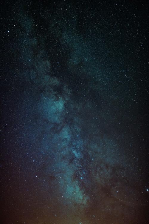 Eksklusiiviset taidevalokuvat Astrophotography of Orange-Blue Milky Way.