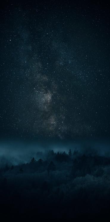 Eksklusiiviset taidevalokuvat Astrophotography picture of Bielsa landscape with milky way on the night sky.