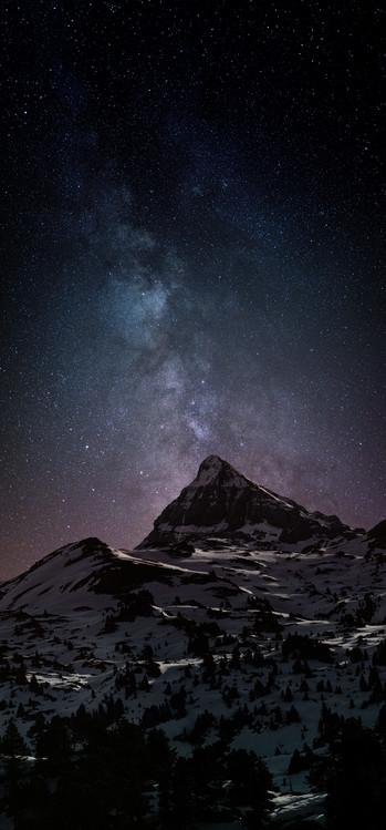 Eksklusiiviset taidevalokuvat Astrophotography picture of Pierre-stMartin landscape  with milky way on the night sky.