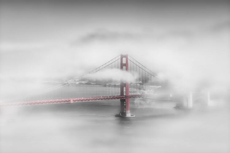 Eksklusiiviset taidevalokuvat Foggy Golden Gate Bridge | colorkey