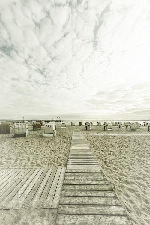 Eksklusiiviset taidevalokuvat BALTIC SEA Idyllic evening atmosphere | Vintage