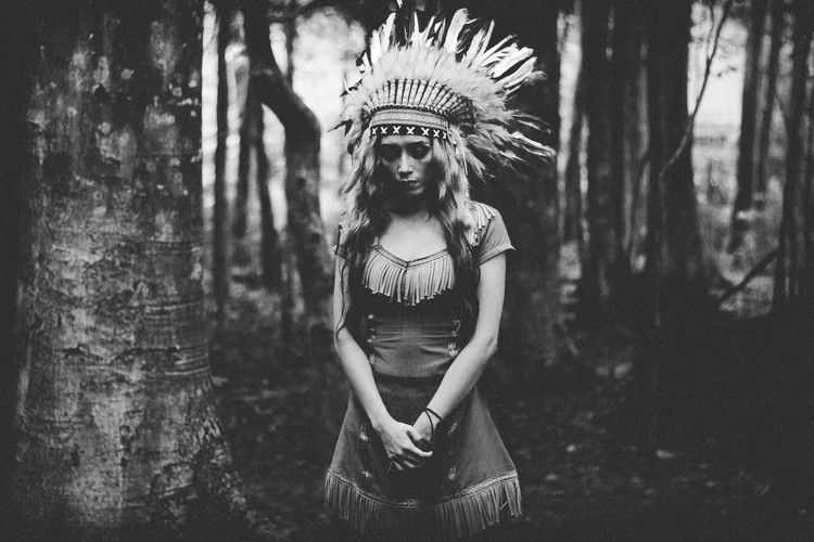Eksklusiiviset taidevalokuvat Black and White Mood in the Forest