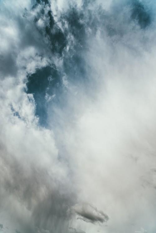 Eksklusiiviset taidevalokuvat Strong blue sky with clouds