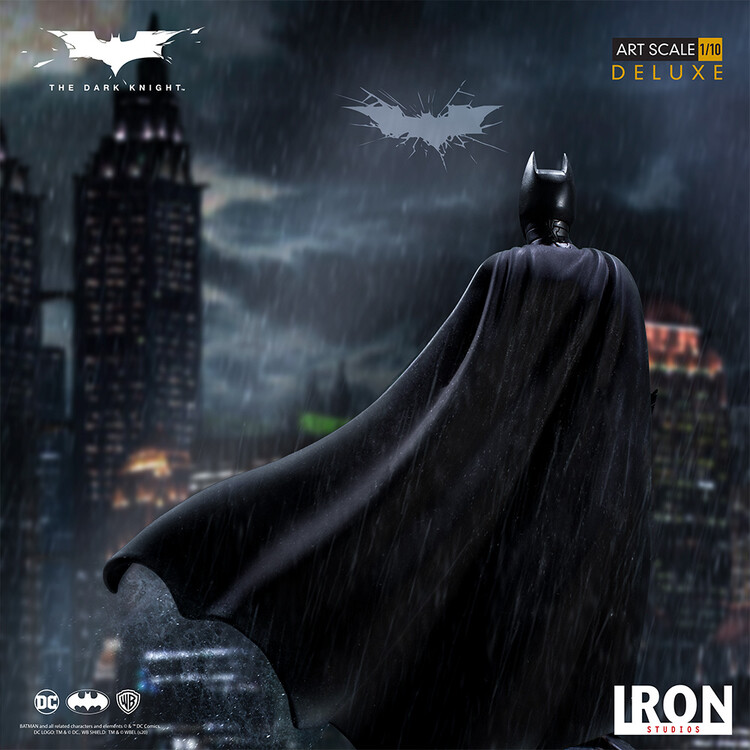 Hahmot The Dark Knight - Batman (Deluxe)