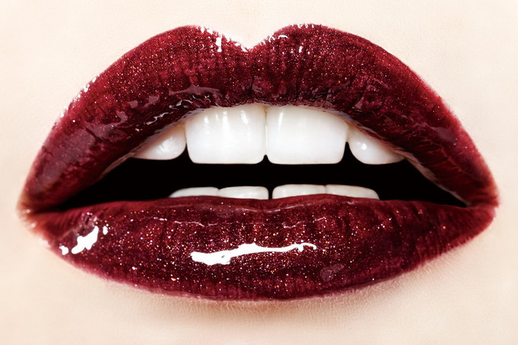 Glass Art Dark Red Lips - Passion