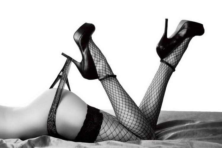 Glass Art Passionate Woman - Sexy Legs