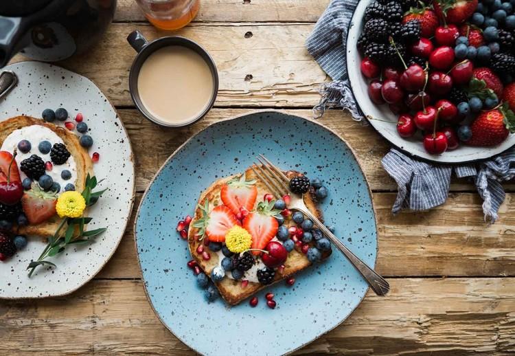 Glass Art Berry Breakfast