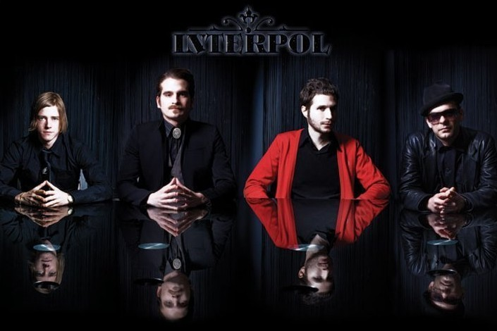 Juliste Interpol - reflection