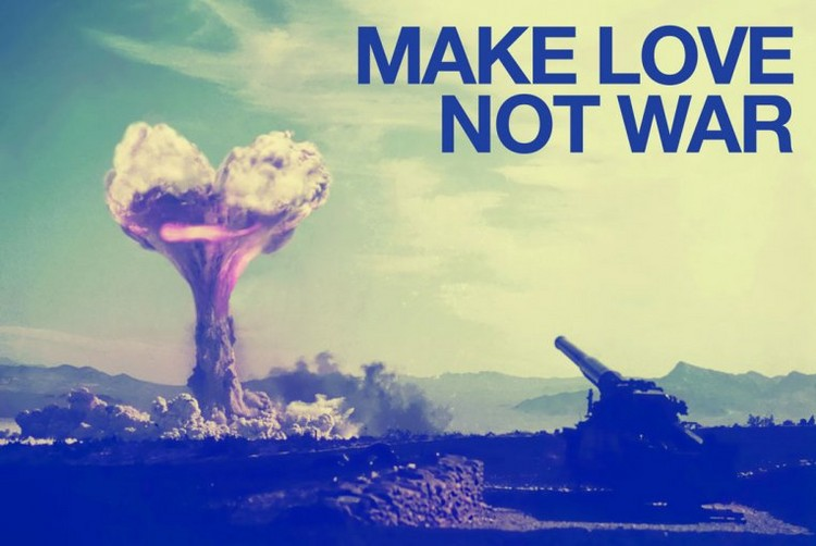 Juliste  Make love not war