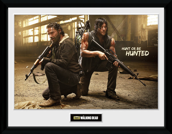 Framed poster The Walking Dead - Rick and Daryl Hunt