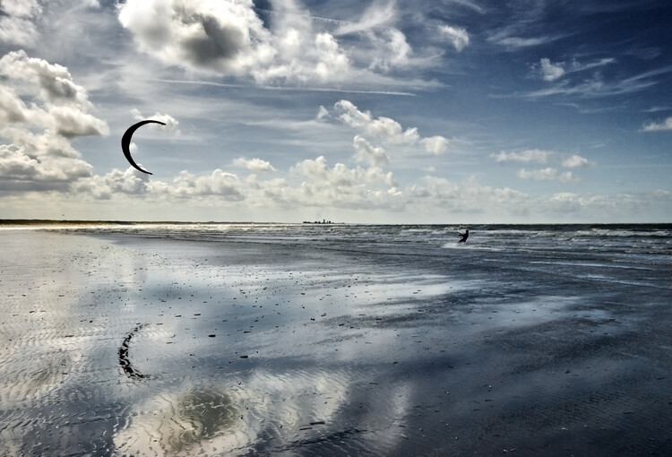 Art Print on Demand Blue Kiting