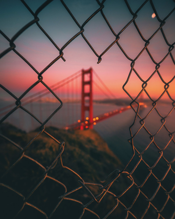 Art Print on Demand Golden Gate Caged