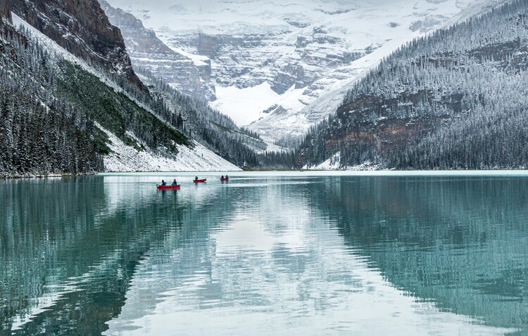 Art Print on Demand Peaceful Lake Louise