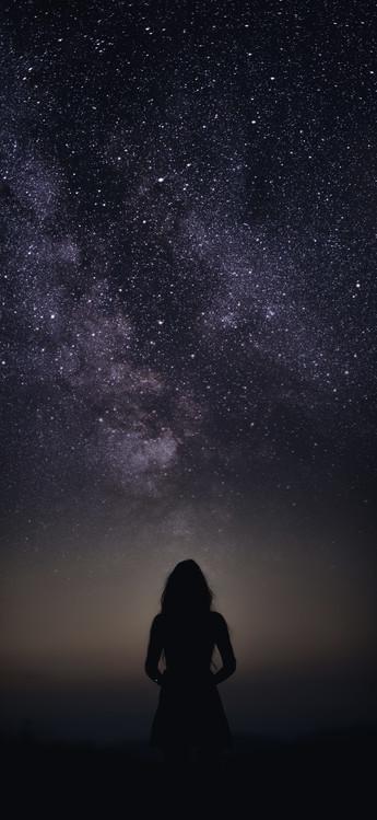 Art Print on Demand silhouette of woman looking stars