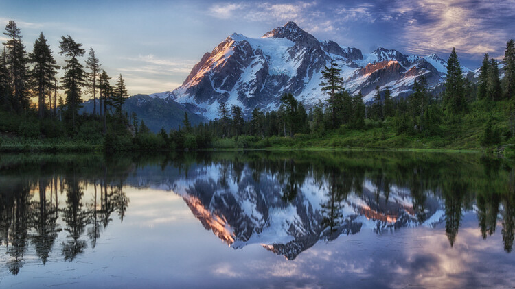 Art Print on Demand Sunrise on Mount Shuksan
