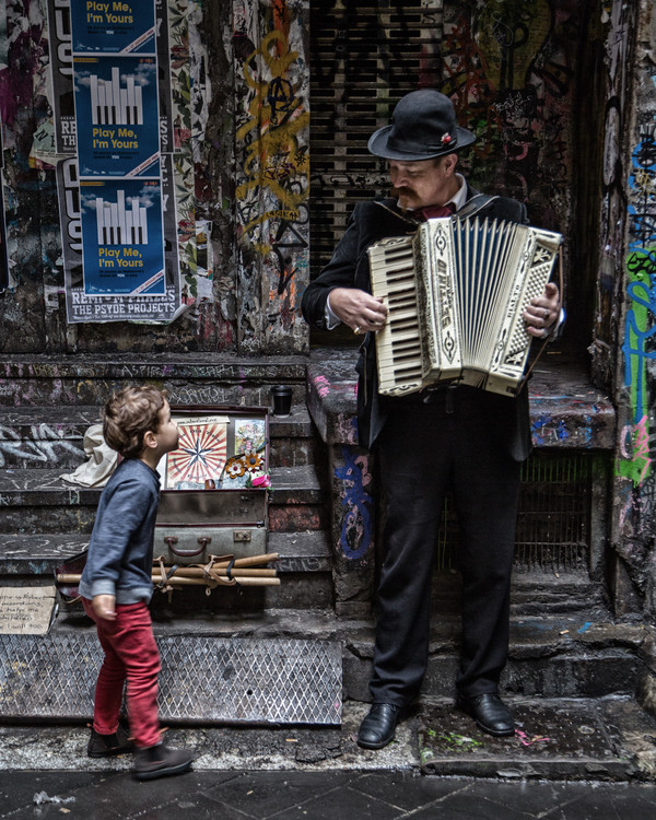 Art Print on Demand The Busker and the Boy
