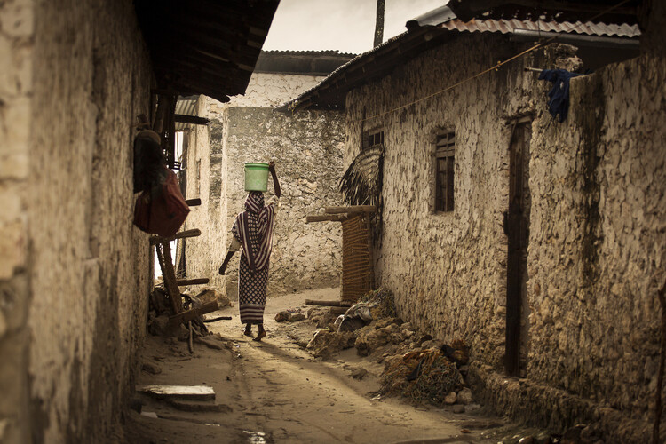 Art Print on Demand Woman in the village
