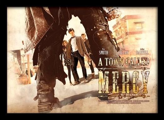 DOCTOR WHO - a town called mercy Poster emoldurado de vidro