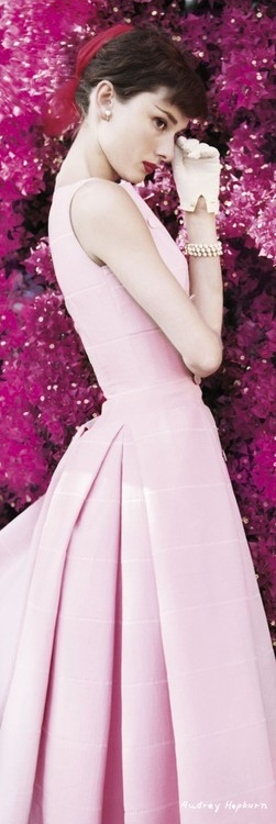 AUDREY HEPBURN - flowers Poster