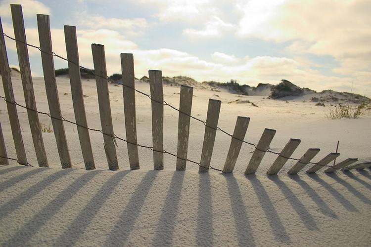 Quadro em vidro Fence on the Beach
