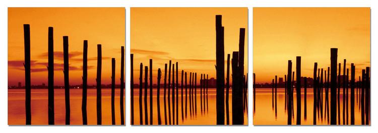 Quadro  Golden sunset over pier