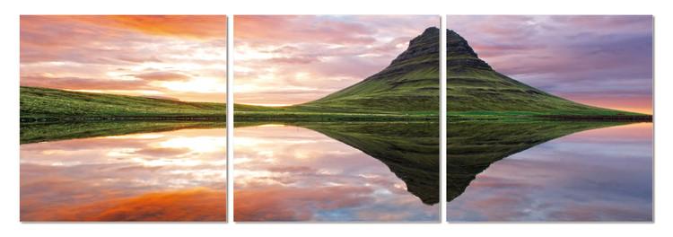 Quadro  Mirroring the landscape on the lake