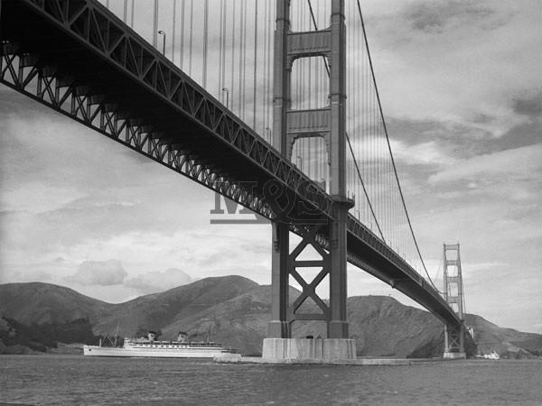 Reprodução do quadro View of Golden Gate Bridge